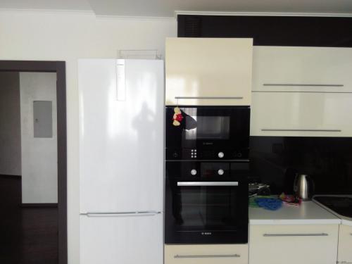 Чем отмыть кухонный гарнитур глянцевый от желтизны. Как предотвратить пожелтение белых фасадов кухни