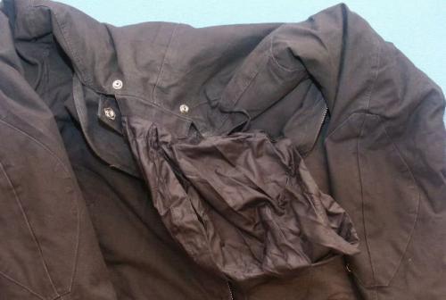 Как вывести пятна от масла с одежды. Удаление с куртки