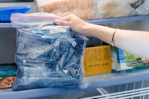 Воняют джинсы новые, что делать. Избавляемся от неприятного запаха новых джинс: 5 популярных способов