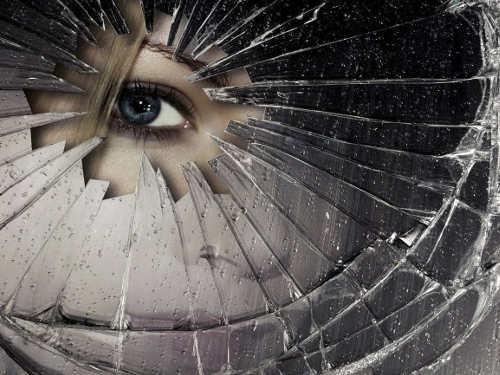 Если разбил зеркало, что нужно сделать, чтобы отвести беду. Как отвести беду, если разбилось зеркало